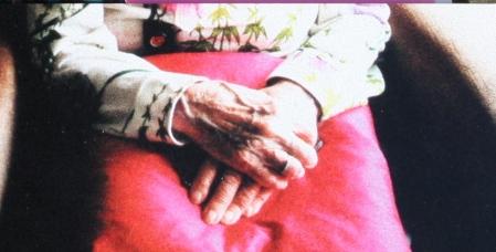 Handen van oma